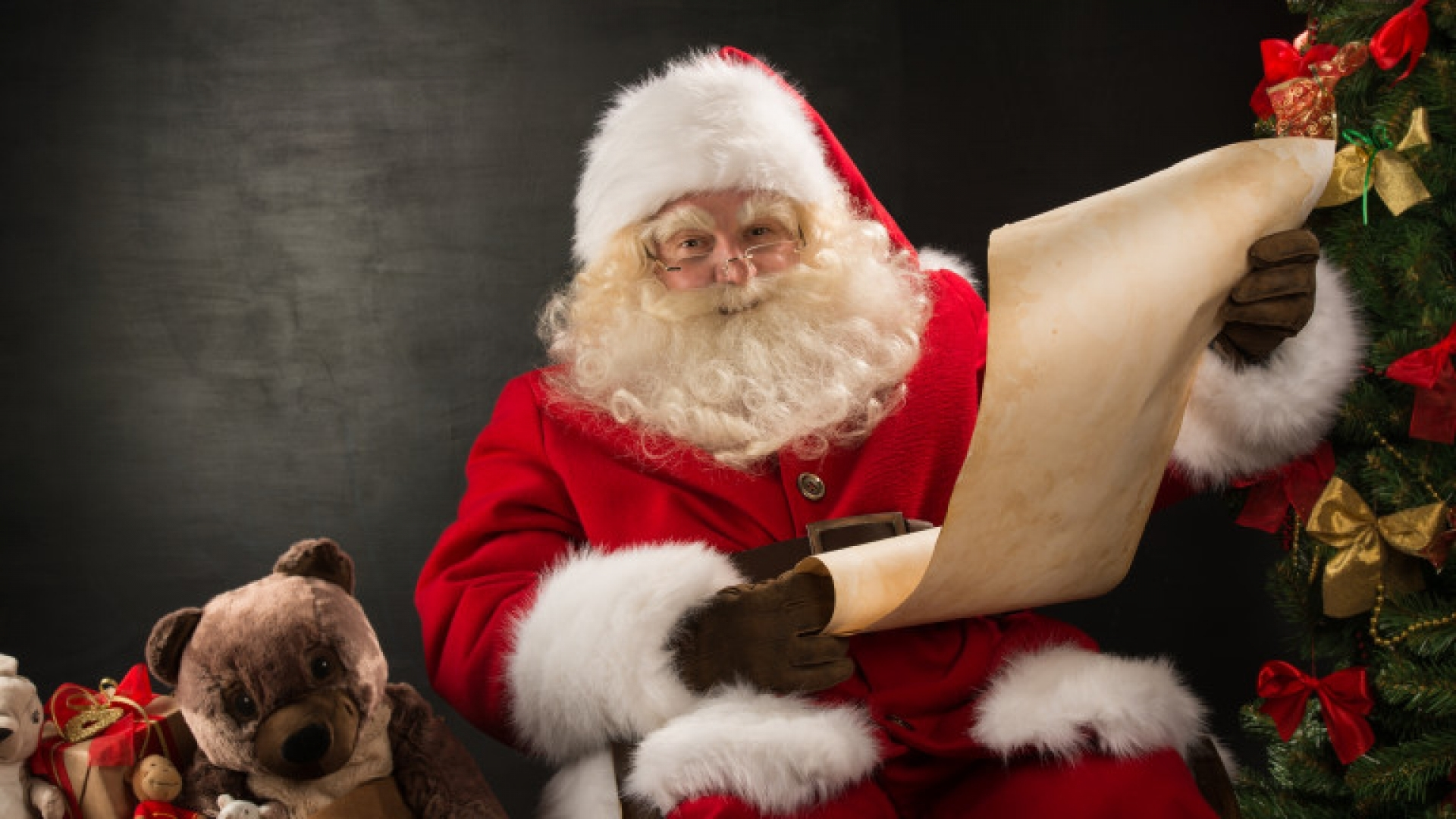 Русенските деца изпратиха десетки писма до Дядо Коледа