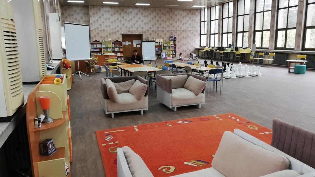 Нов кът очаква малките читатели на библиотеката