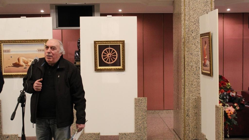 Николай Караджов с изложба в Доходното здание