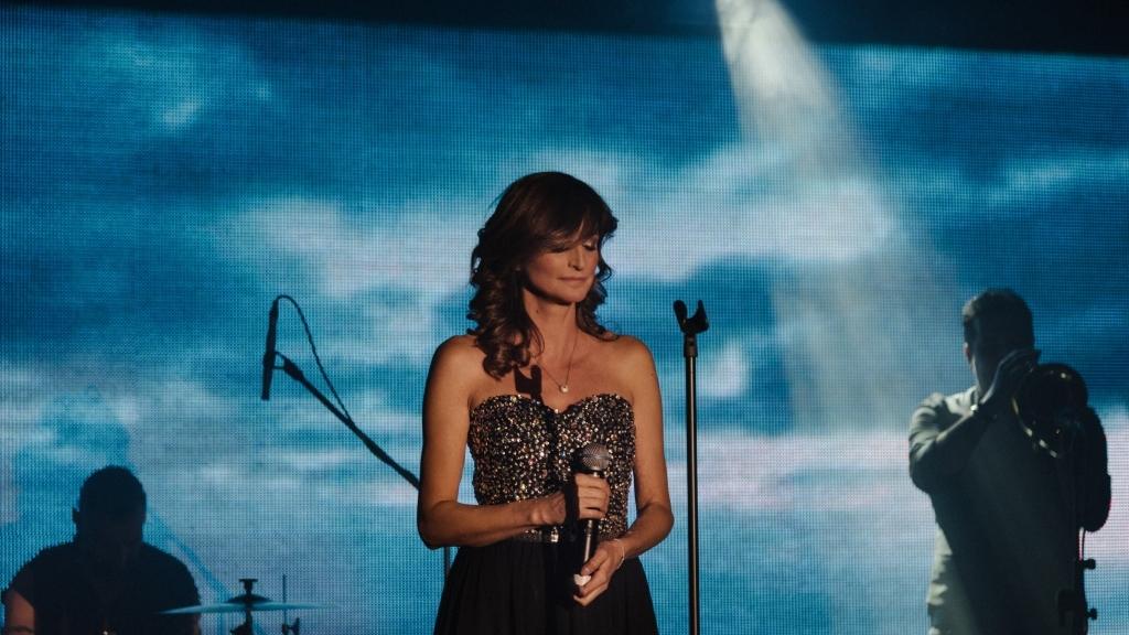 Нина Николина и Русенска филхармония представят златни хитове