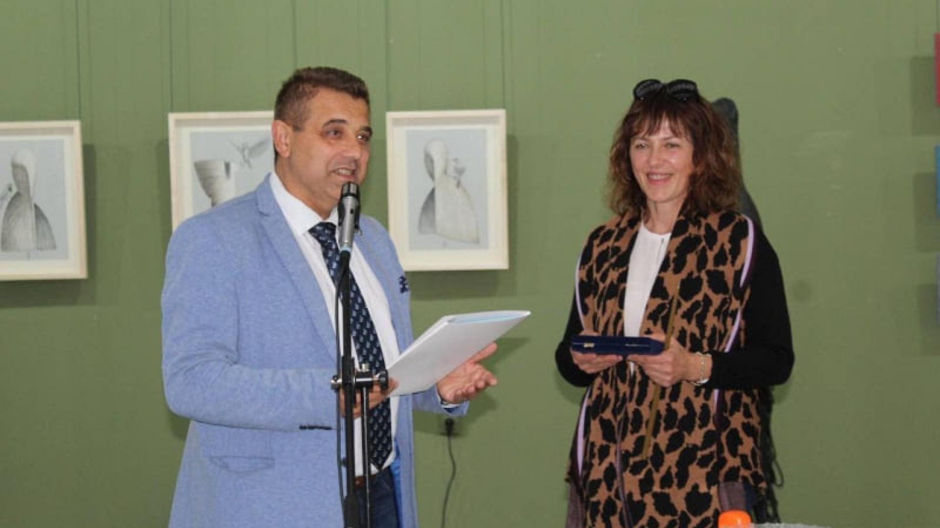 Скулпторът Нина Лишовска с юбилейна изложба и отличие