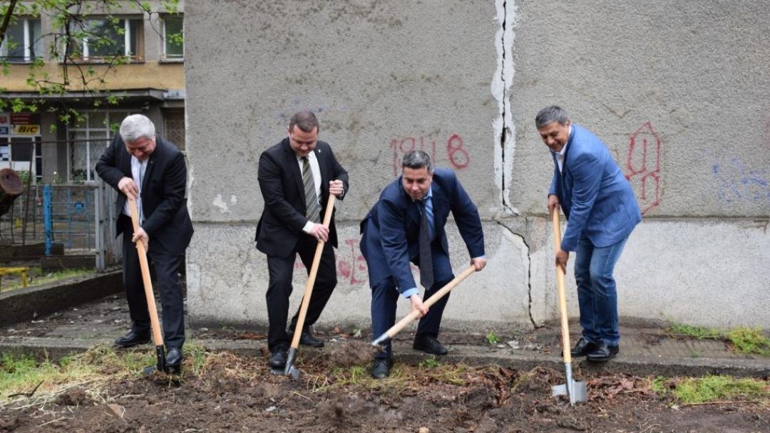 Направиха първа копка на Научно-изследователски лабораторен комплекс в Русенски университет
