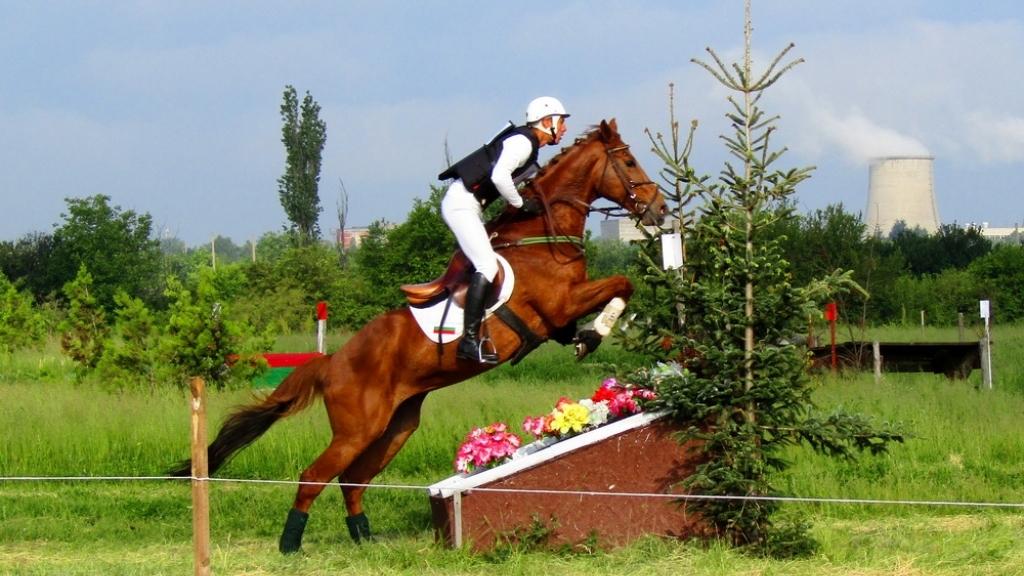 Държавно първенство по всестранна езда събира любителите на конния спорт този уикенд на Хиподрума