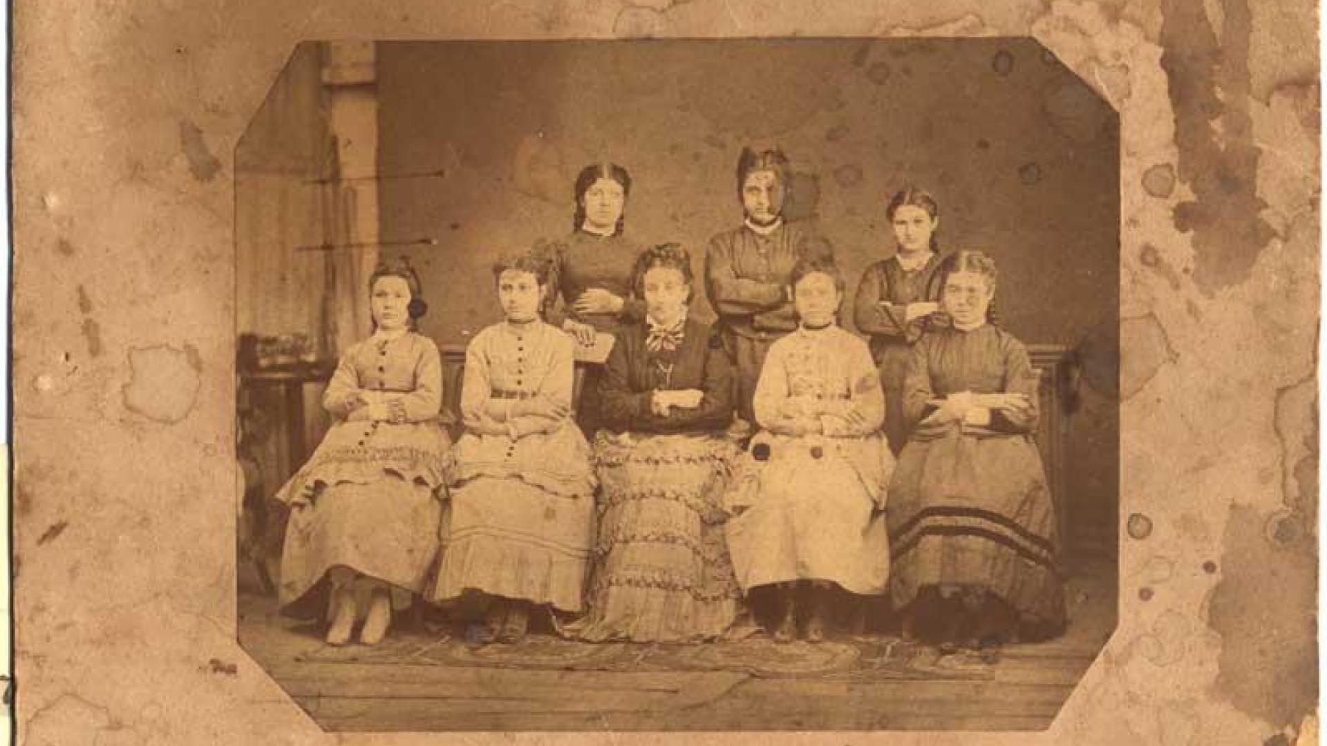 На тази дата Неделя Петкова основава женското дружество Възрождение, с което се постая началото на девическото образование