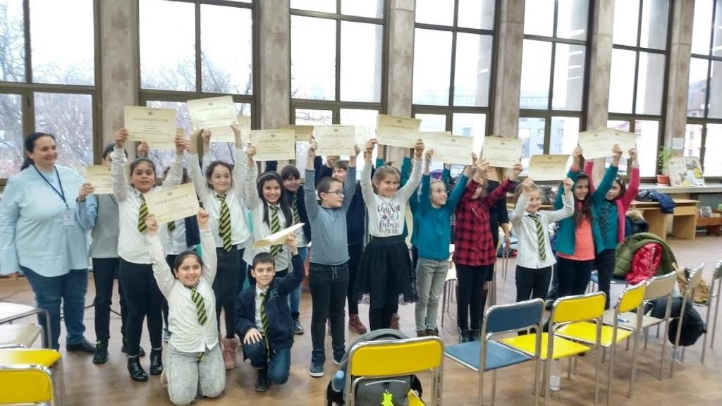 140 деца четоха творби на Ерих Кеснер