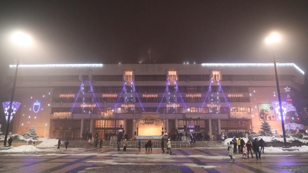 Започна подготовката за коледните празници в Русе