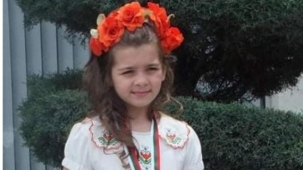 """Дария Стефанова от Русе е трета в Националния конкурс за популярна песен """"Една българска роза"""""""
