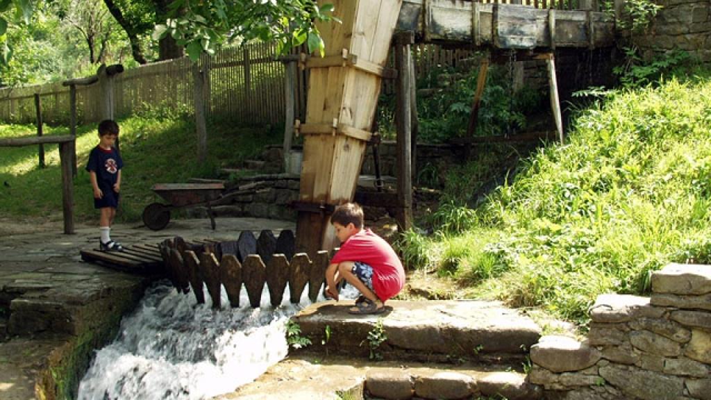 Етъра – мястото, което пази българските традиции