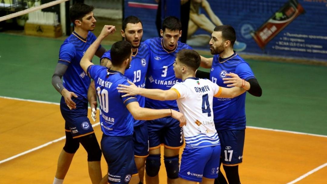 """Волейболистите на """"Дунав"""" с победа във втората осмица на Суперлигата"""