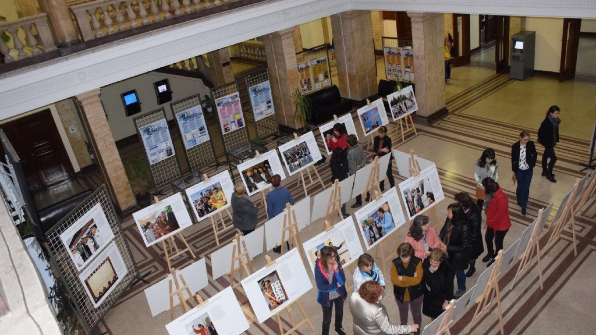 Изложба представя дипломатическите отношения между България и Китай