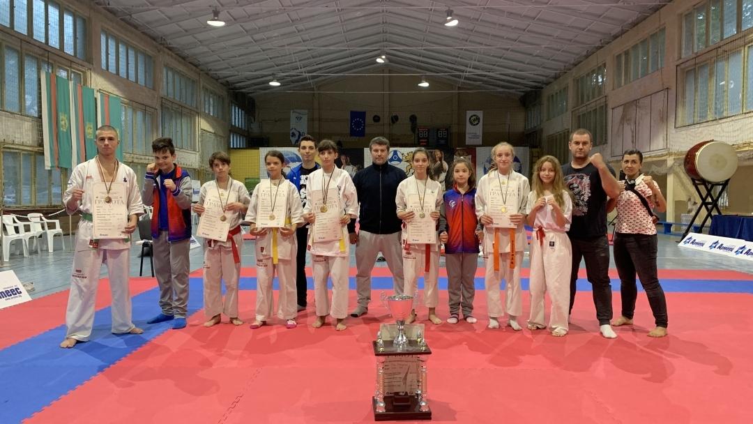 Златни медали по киокушин-кан карате завоюваха русенци на Държавното първенство