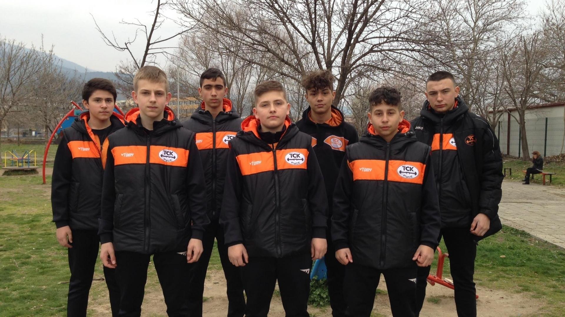 Първо място за кадетите до 15 години от Тежкоатлетически спортен клуб Русе на Държавното отборно първенство по вдигане на тежести