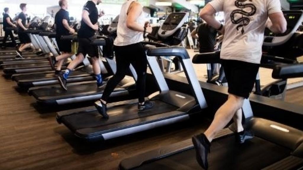 Отварят залите за фитнес и МОЛ-овете, учениците отново в клас
