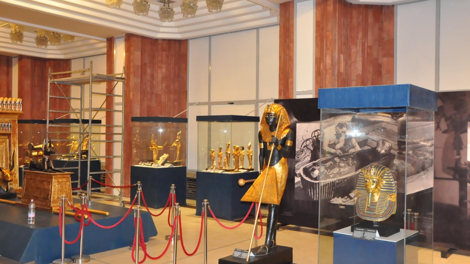 Изложбата за Тутанкамон приема посетители от днес