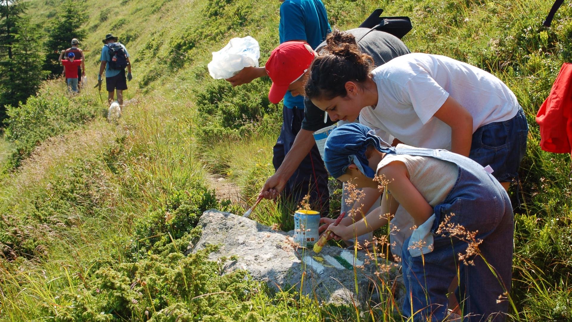 """Ученици на екопрактика в национален парк """"Централен Балкан"""""""