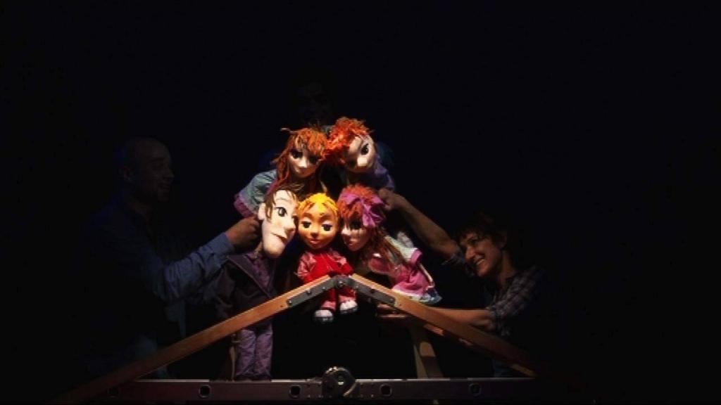 Кукленият театър представят историята за Карлсон и дребосъчето в неделя