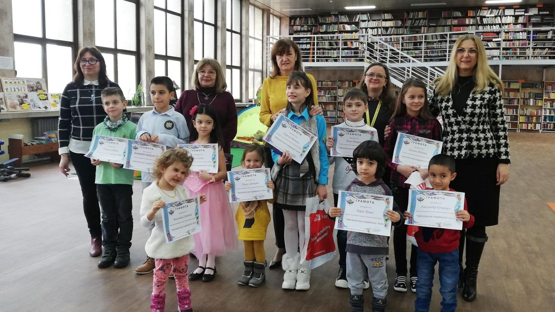 Все повече деца взимат книжки от библиотеката в Русе