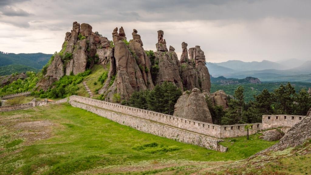 Уникалните Белоградчишки скали  - едно от чудесата на България