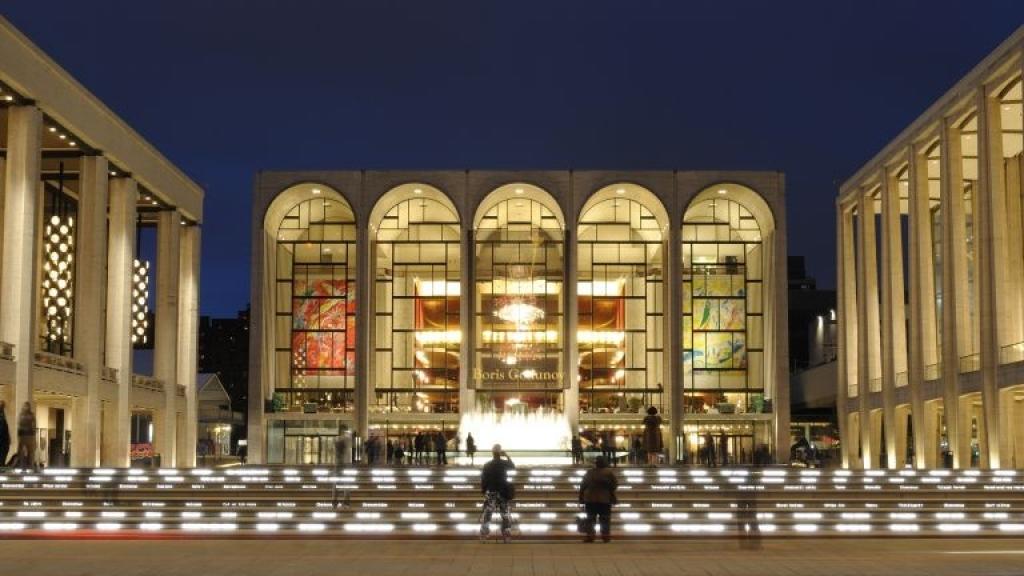 Метрополитън опера излъчва на живо най-добрите си спектакли