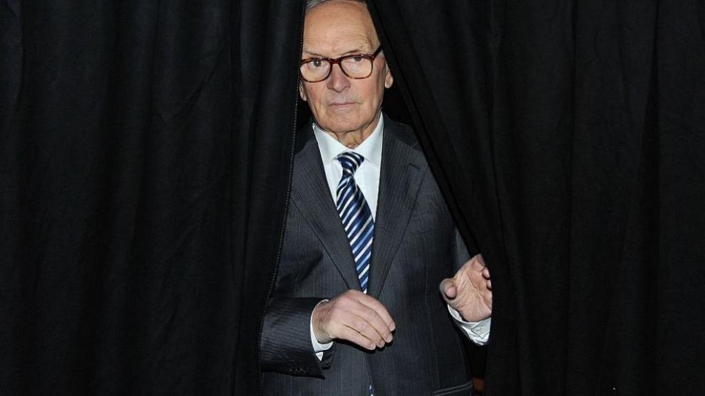 Почина Енио Мориконе