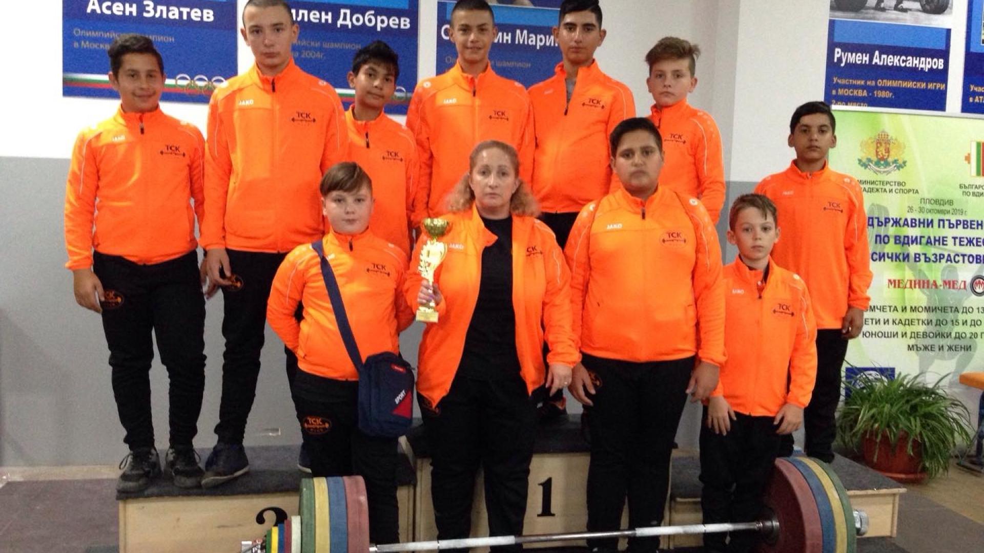 Русенски щангисти се включват в Държавното отборно първенство по вдигане на тежести