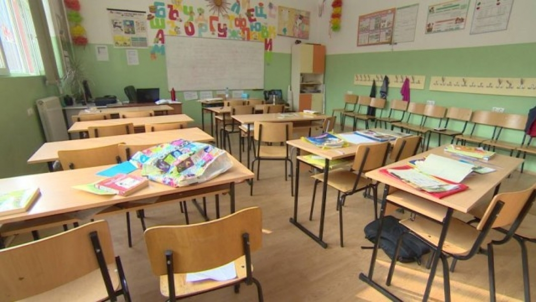 Между 10 и 20 процента увеличение на учителските заплати догодина