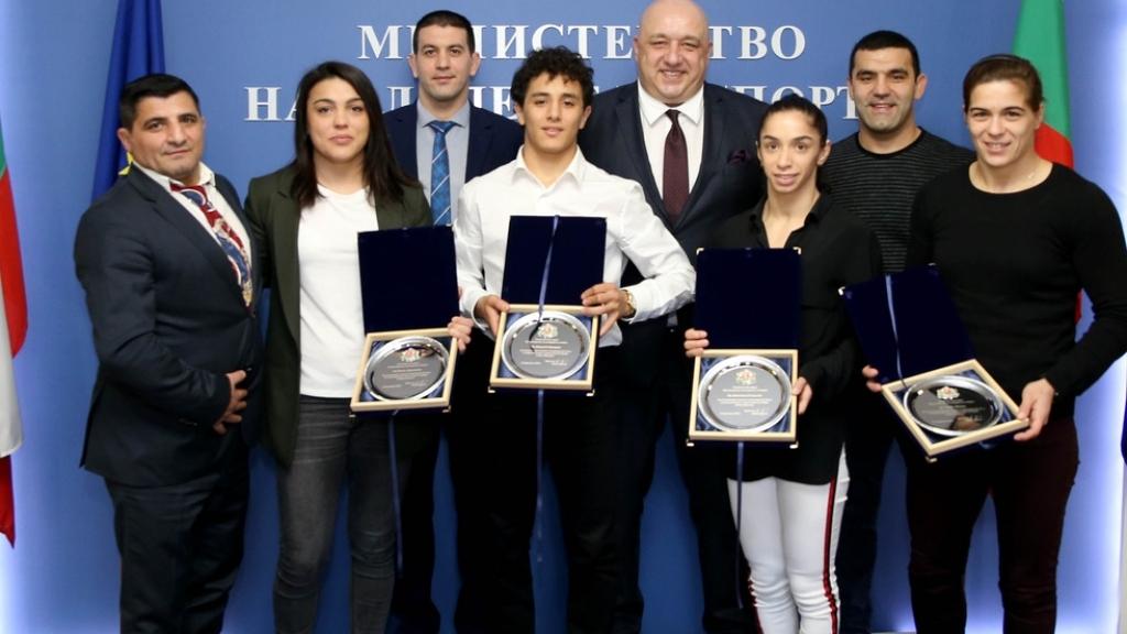 Награди от спортното министерство за медалистите от Европейското първенство по борба в Рим