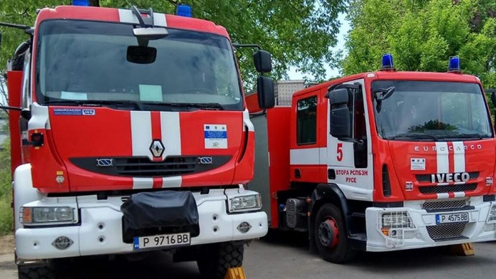 Търсят 8 пожарникари в Русенска област