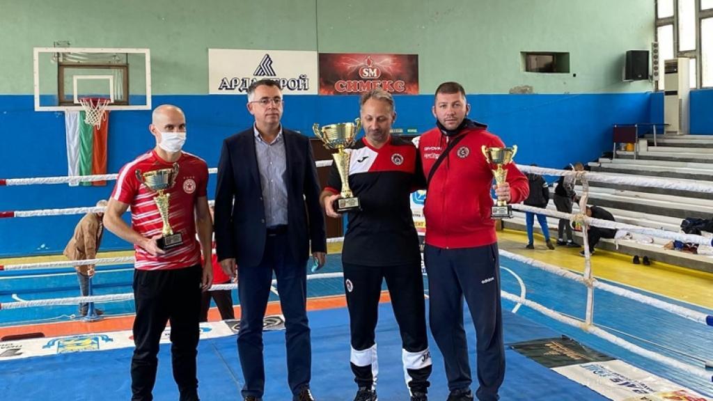 Русенските боксьори завоюваха титли и медали  на държавното първенство за юноши