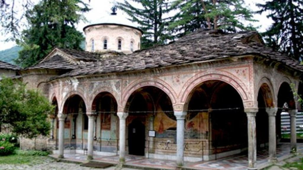 Троянският манастир празнува храмов празник днес