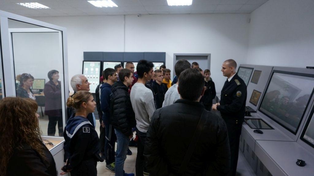 Дунавският флотски отряд посети Военноморското училище във Варна