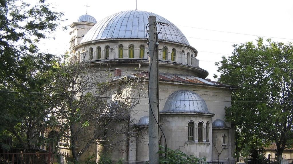 """Общината с дарение за възстановяването на църквата """"Света Петка"""""""