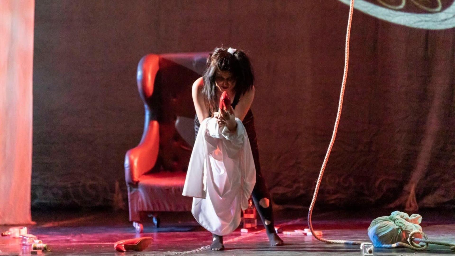 Операта представя Човешкият глас от Пуленк на 16 януари