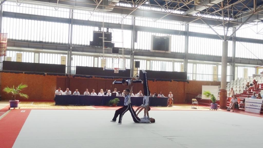 150 младежи се включиха в Държавен шампионат по акробатика
