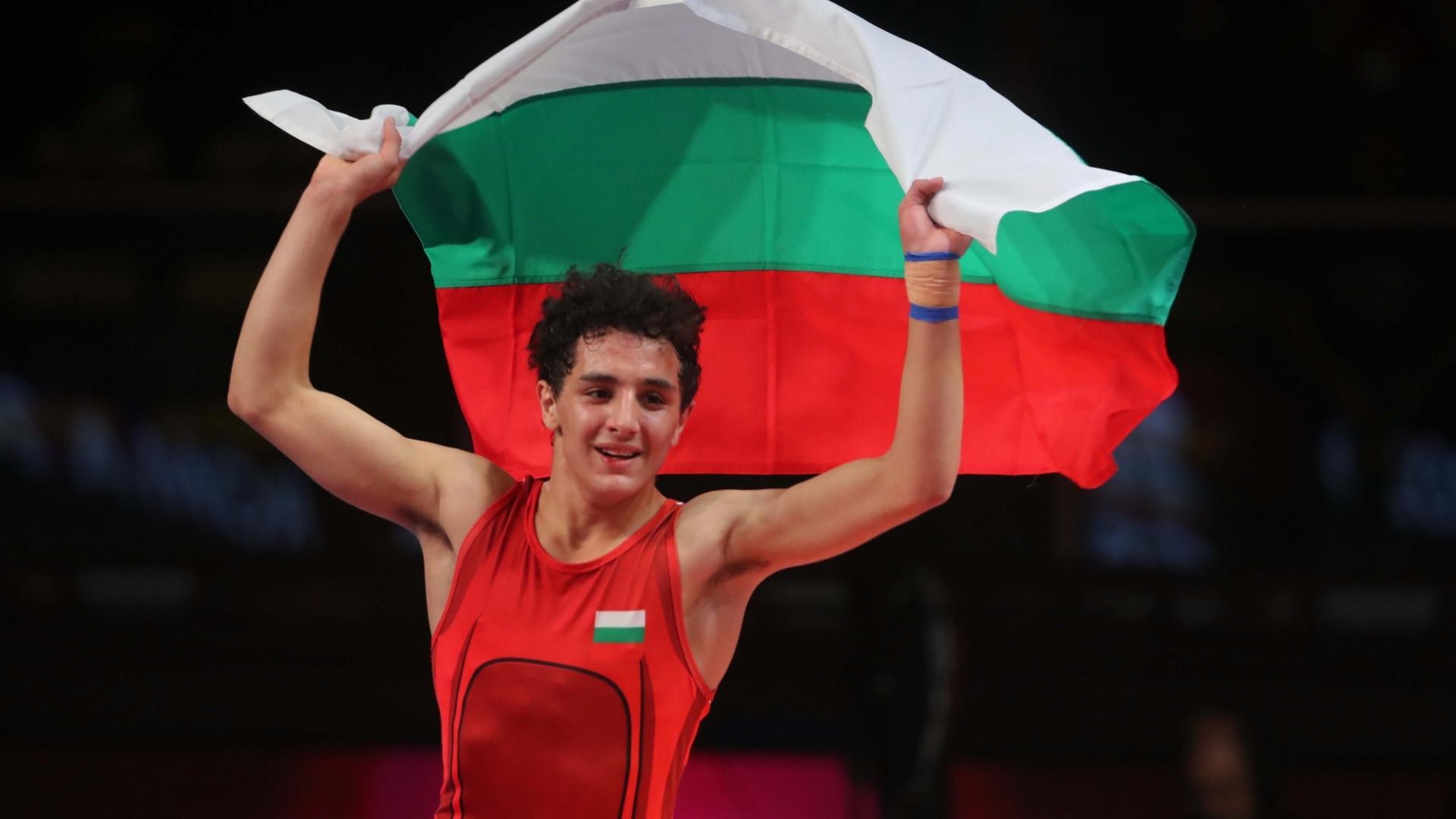 18-годишният Еди Назарян със злато от Европейското по борба