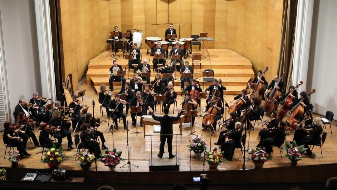 Русе ще дирижира Операта на първи октомври