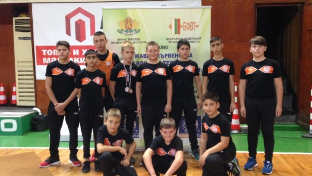 Достойно представяне на русенските щангисти в Хасково