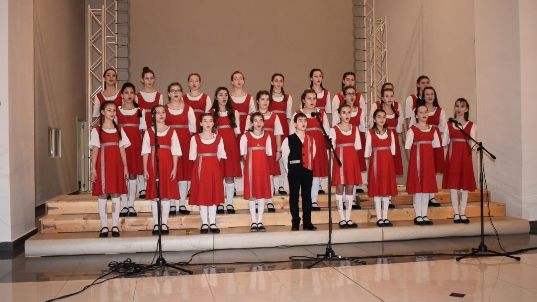 """Русенският хор """"Дунавски вълни"""" ще изпълни годишния си концерт на 29 май в Доходното здание"""