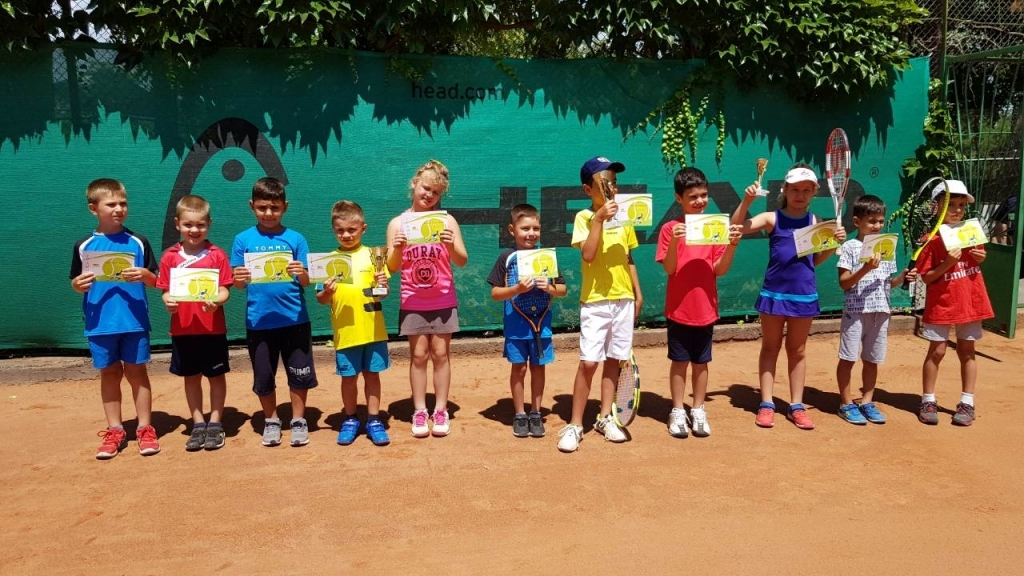Млади русенски тенесисти с призови класирания от регионален турнир