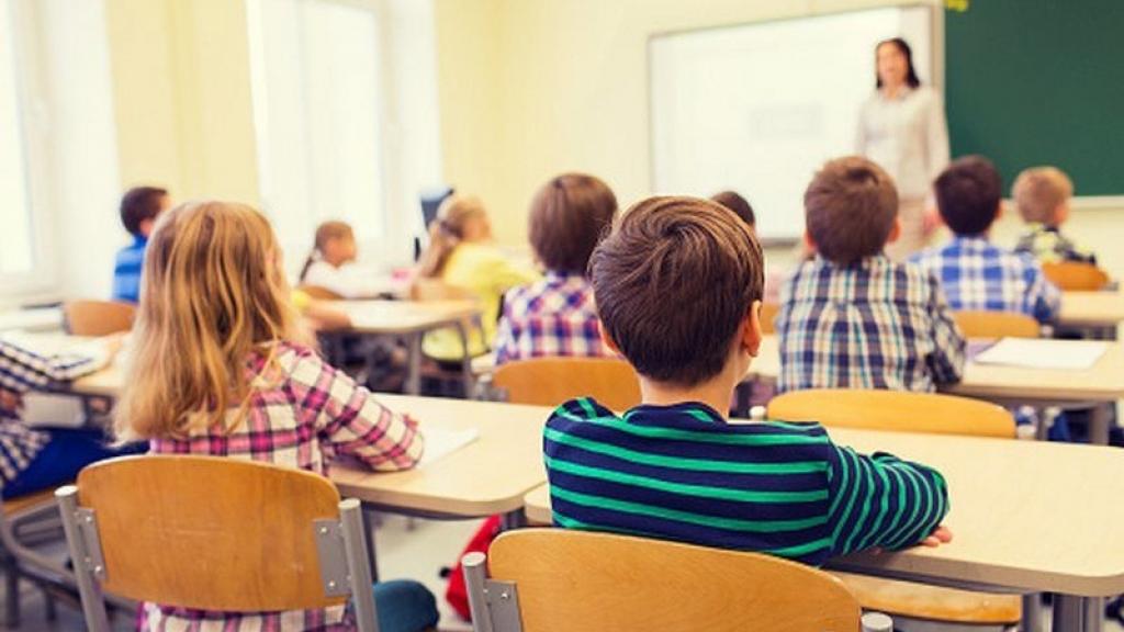 Повече ученици влизат в клас след празниците