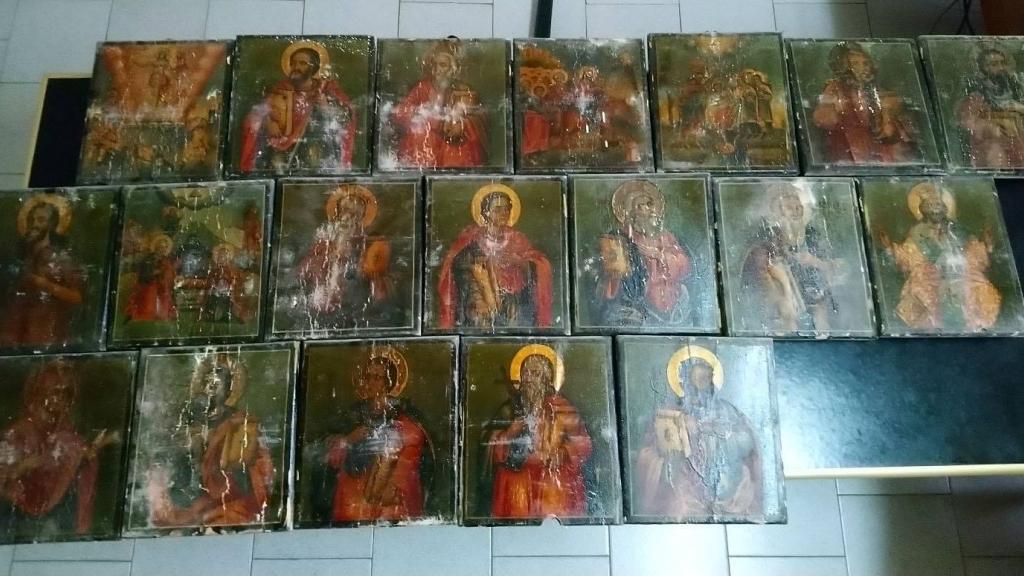 Задържаха двама за откраднатите икони от храмове в Русенско