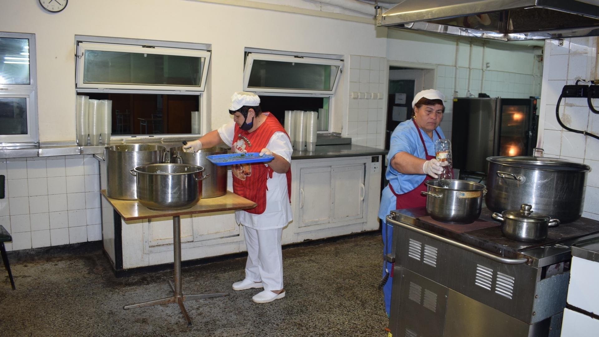 Топъл обяд за социално слаби русенци предоставят Агенция за социално подпомагане и Община Русе